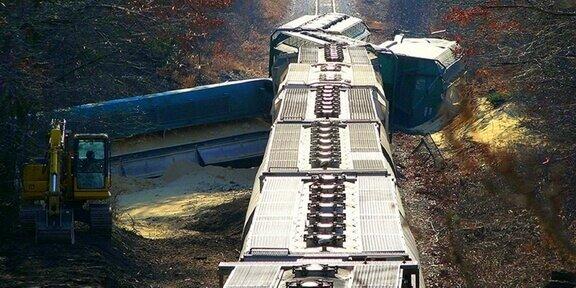 Amtrak derailment in Kansas: 5 cars on their side
